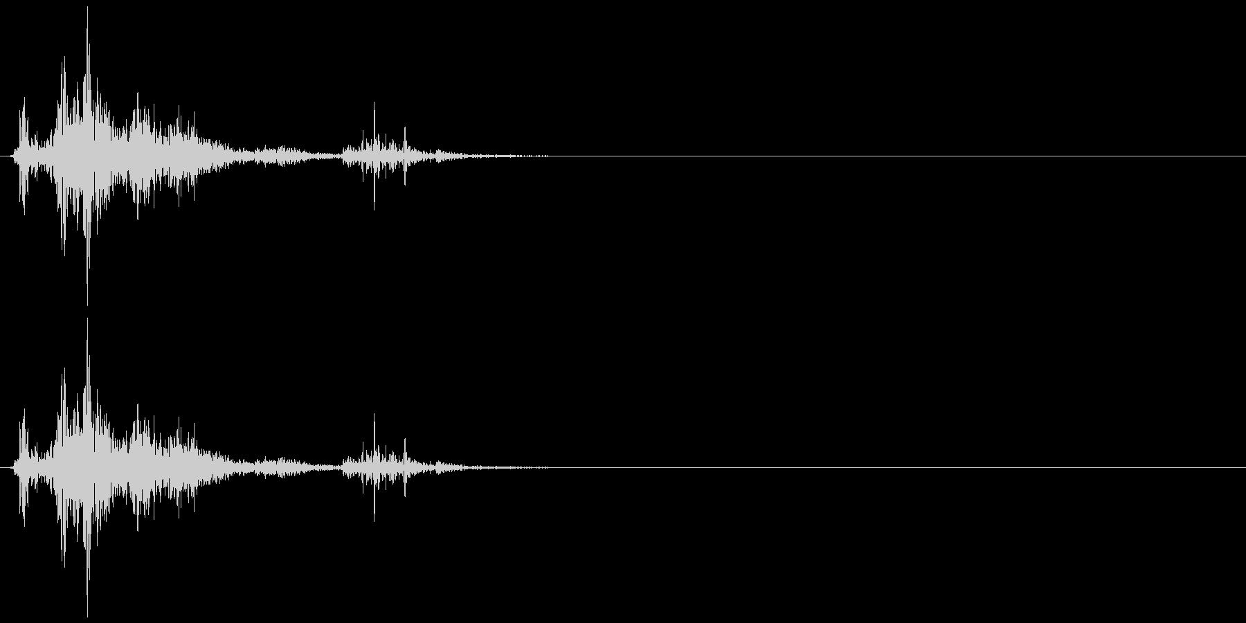 ドサッ(人が倒れる音)01の未再生の波形