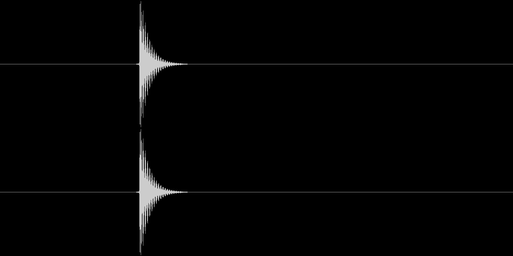 「タッ」決定や文字入力に使えるボタン音…の未再生の波形