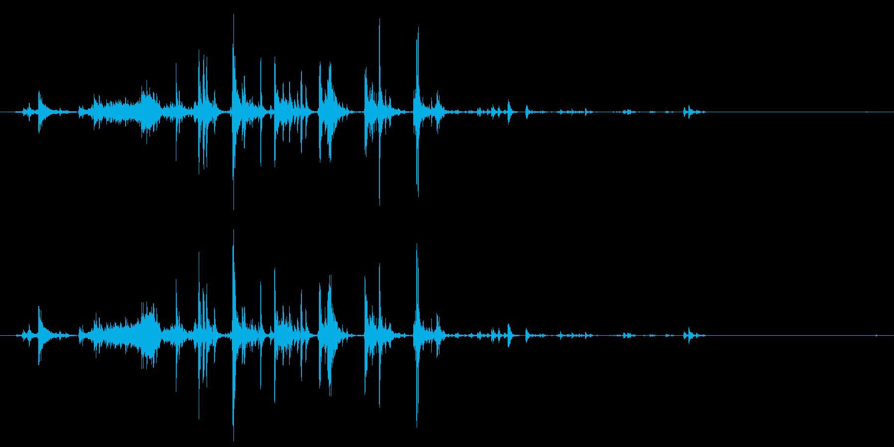 飲み物を注ぐ音01の再生済みの波形