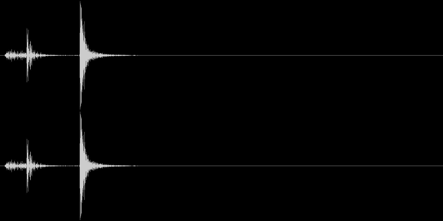 カチッ パチッ 木のパズル・駒を置く音の未再生の波形