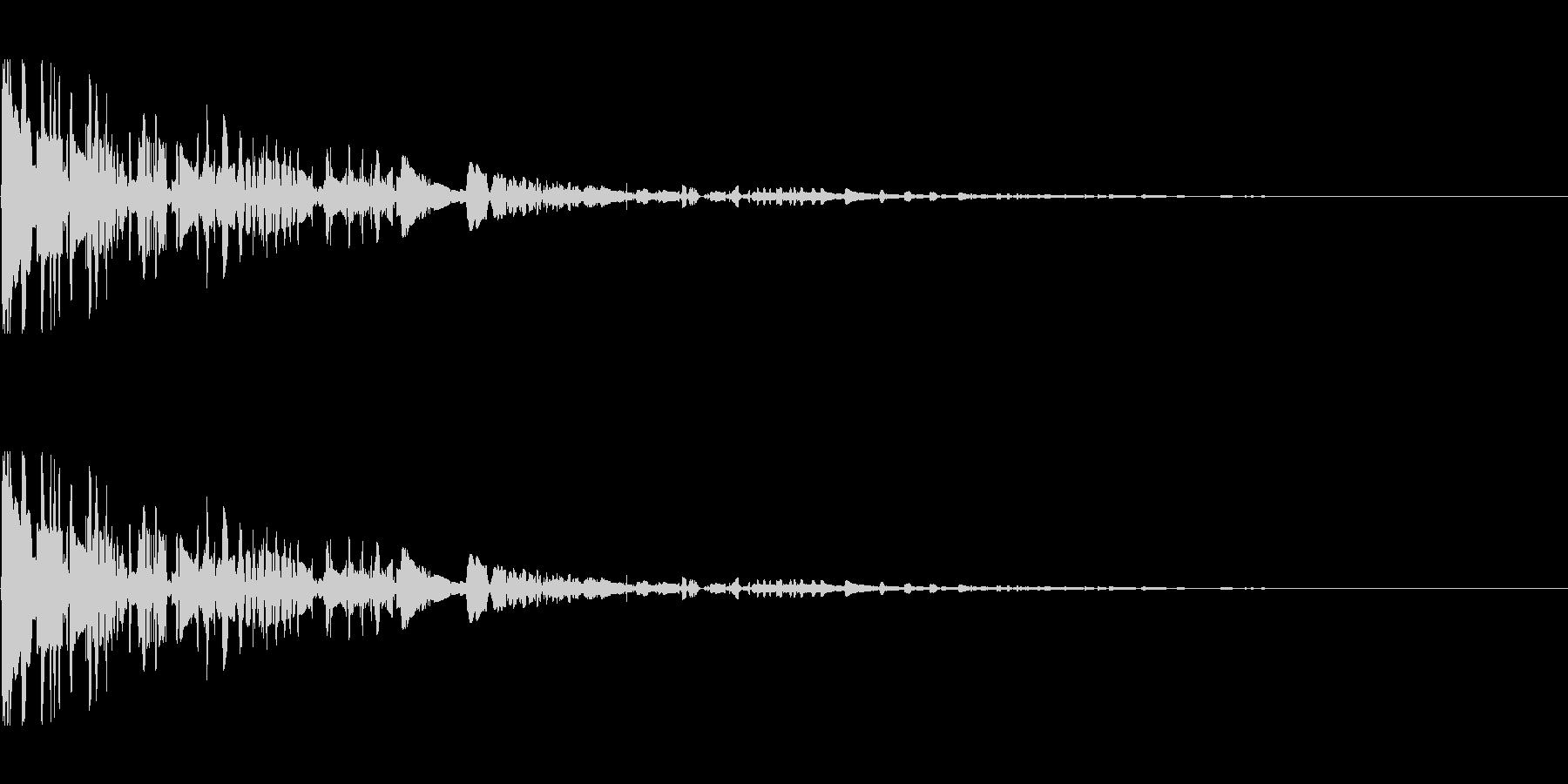 ドサッ(落下や倒れる衝撃音)01の未再生の波形