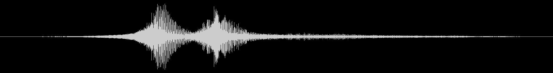 軽量在庫:中速で2つの近接パスの未再生の波形