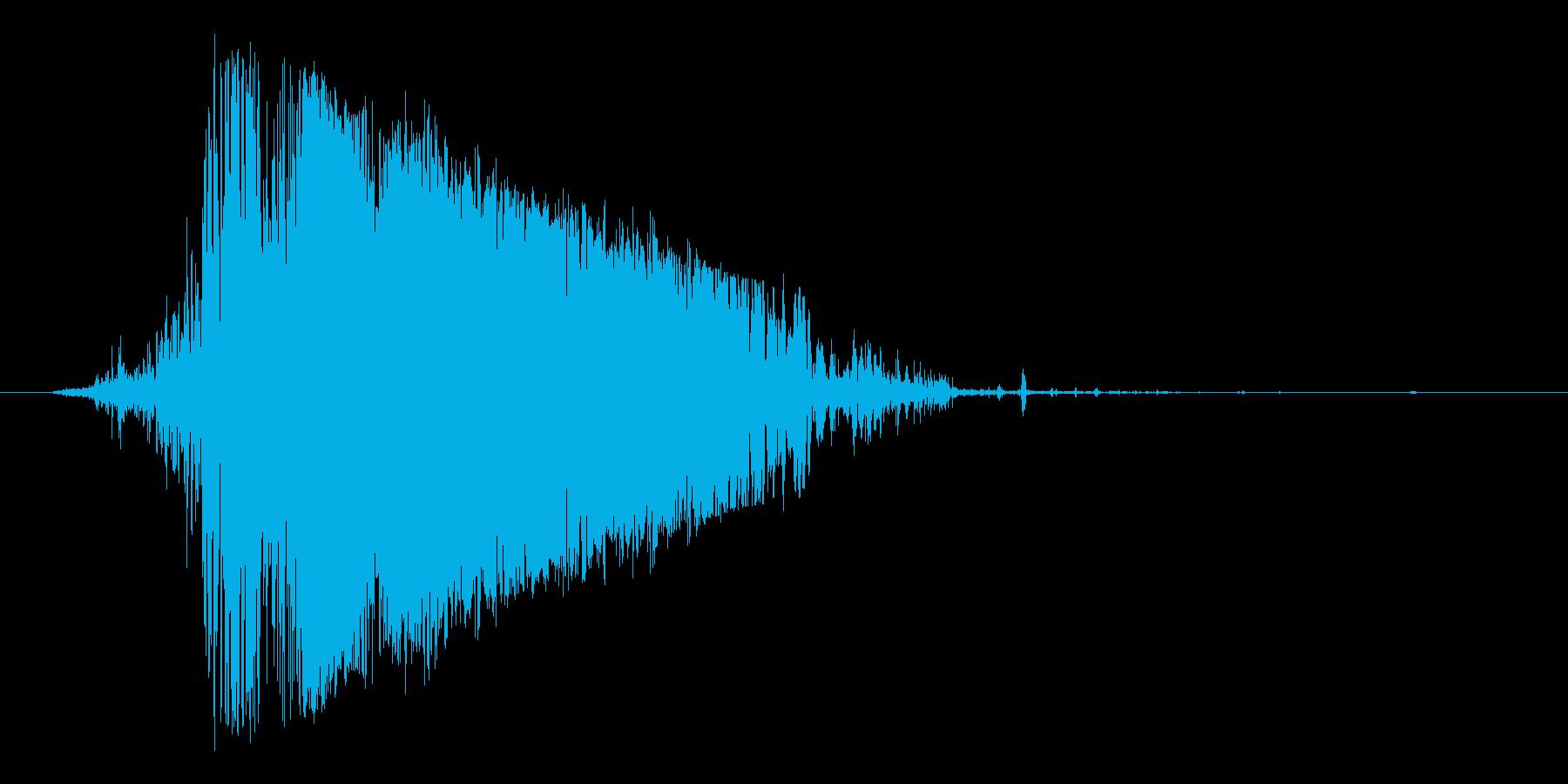 ブシュッ(格闘ゲームなどで使える斬撃音)の再生済みの波形