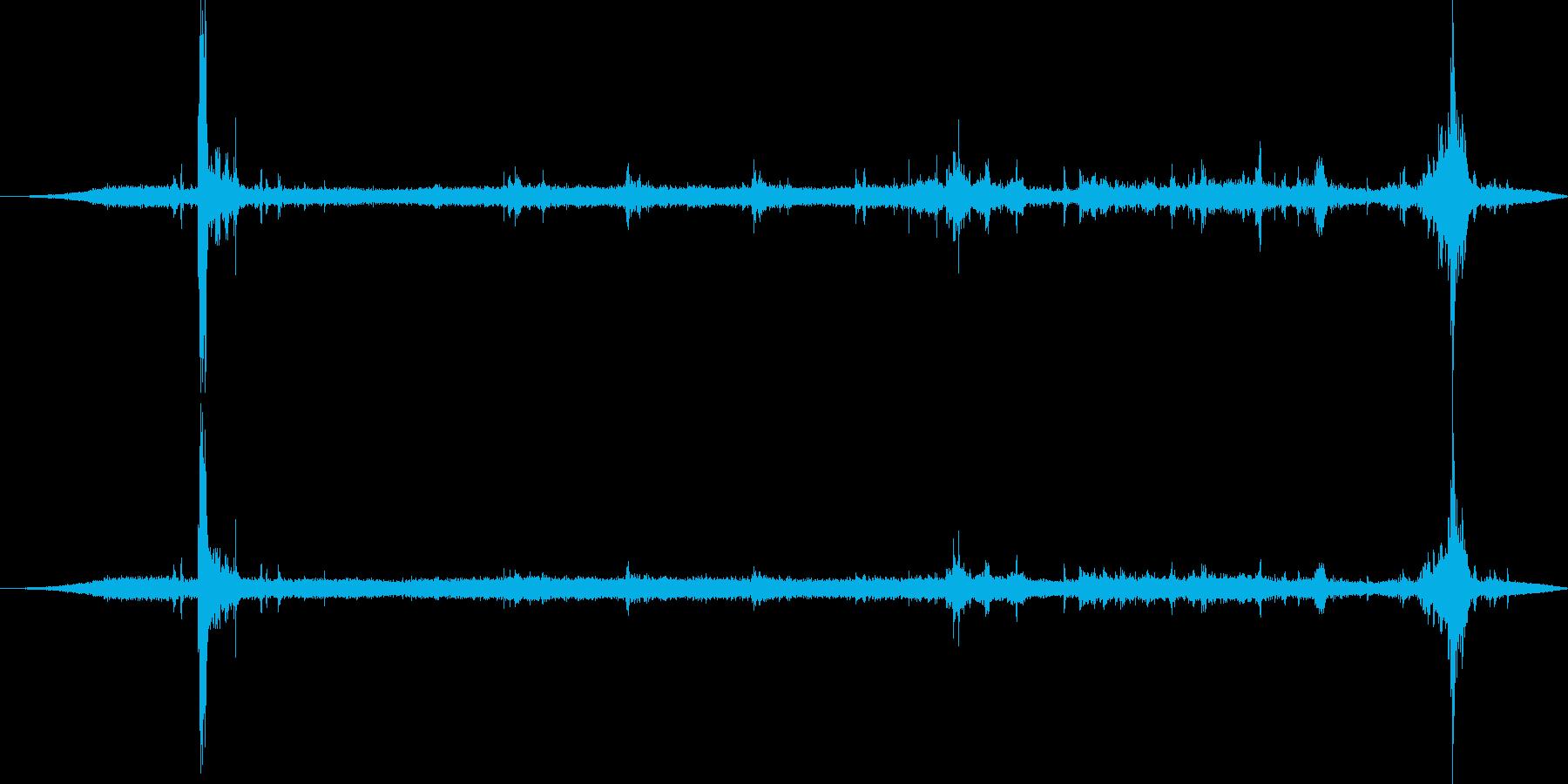 レッキングヤードの重いクレーン:内...の再生済みの波形