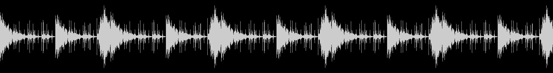 ループ素材_ホラー系の未再生の波形