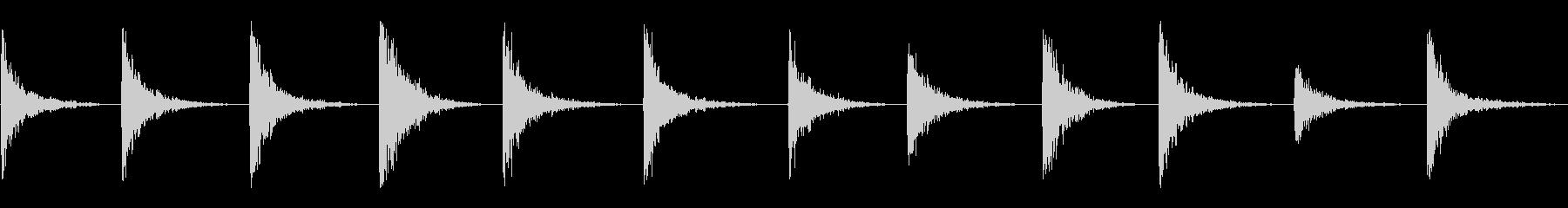 低ブーミーメタルヒットの未再生の波形