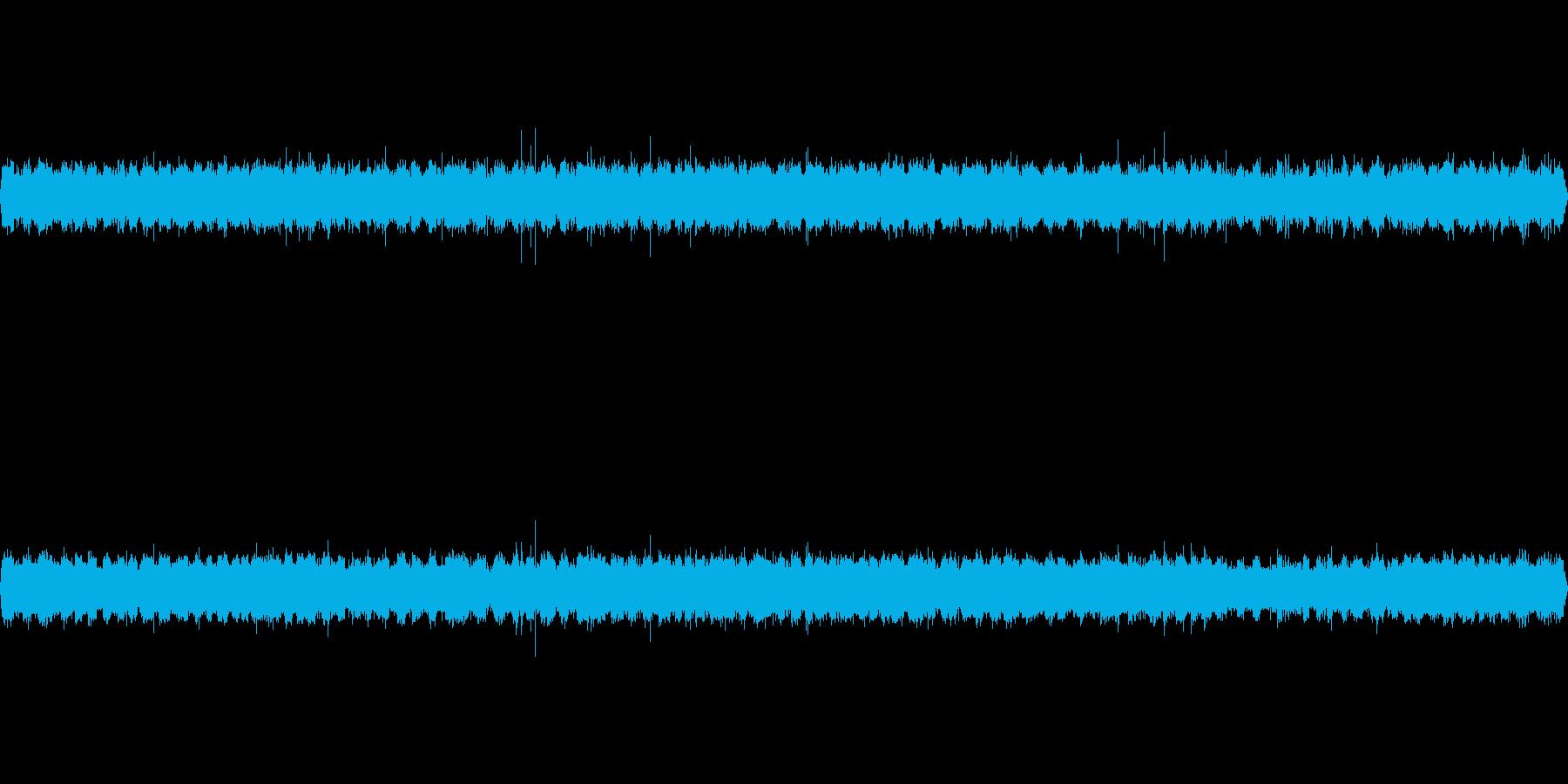 【初秋】 用水路の水音と虫の鳴き声の再生済みの波形
