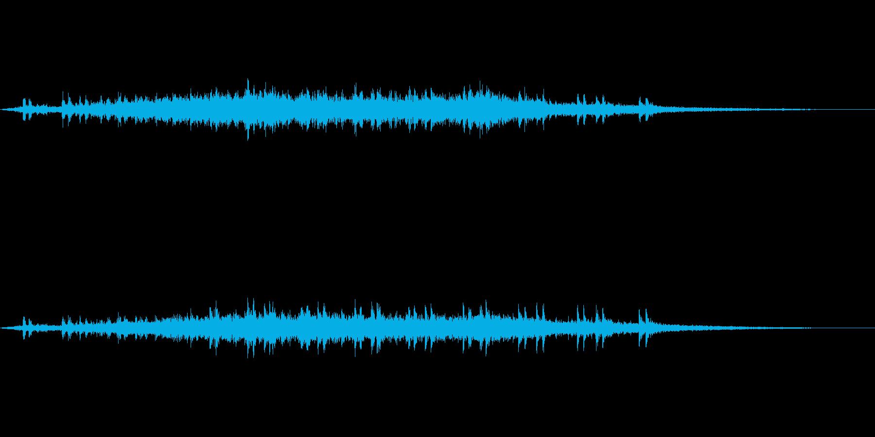 【環境音】電車の通過01の再生済みの波形