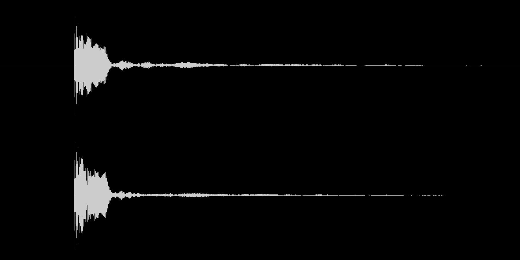 「ポンッ」 丸みのあるボタン音の未再生の波形