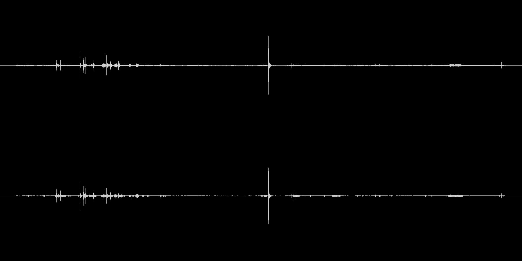 服 レザーベルトクローズソフト02の未再生の波形