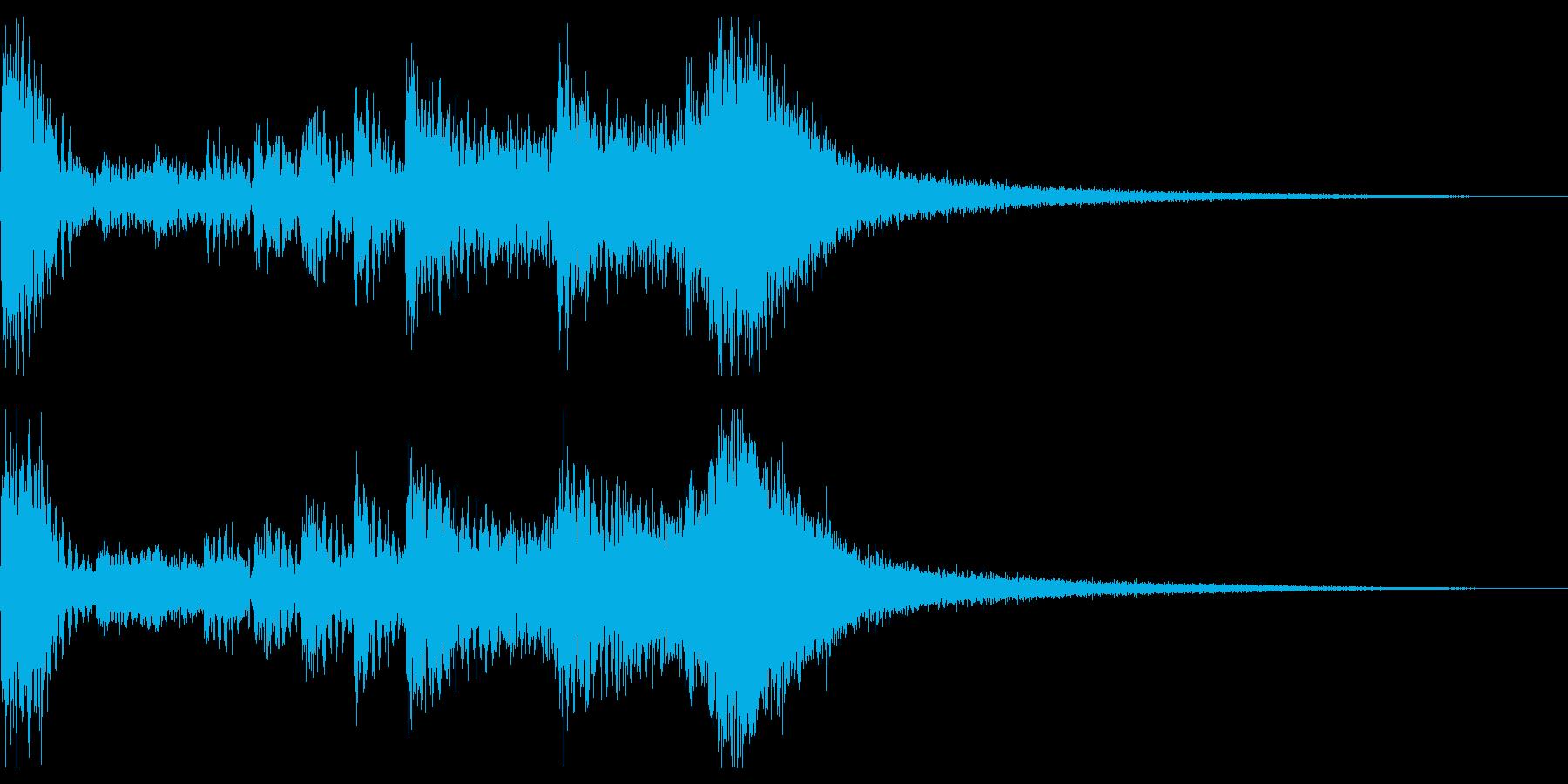 太鼓、声、笛の力強い和風ジングルの再生済みの波形