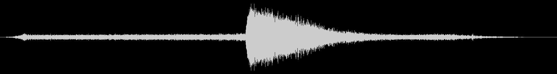 空気圧リリース:シングルピストンリリースの未再生の波形
