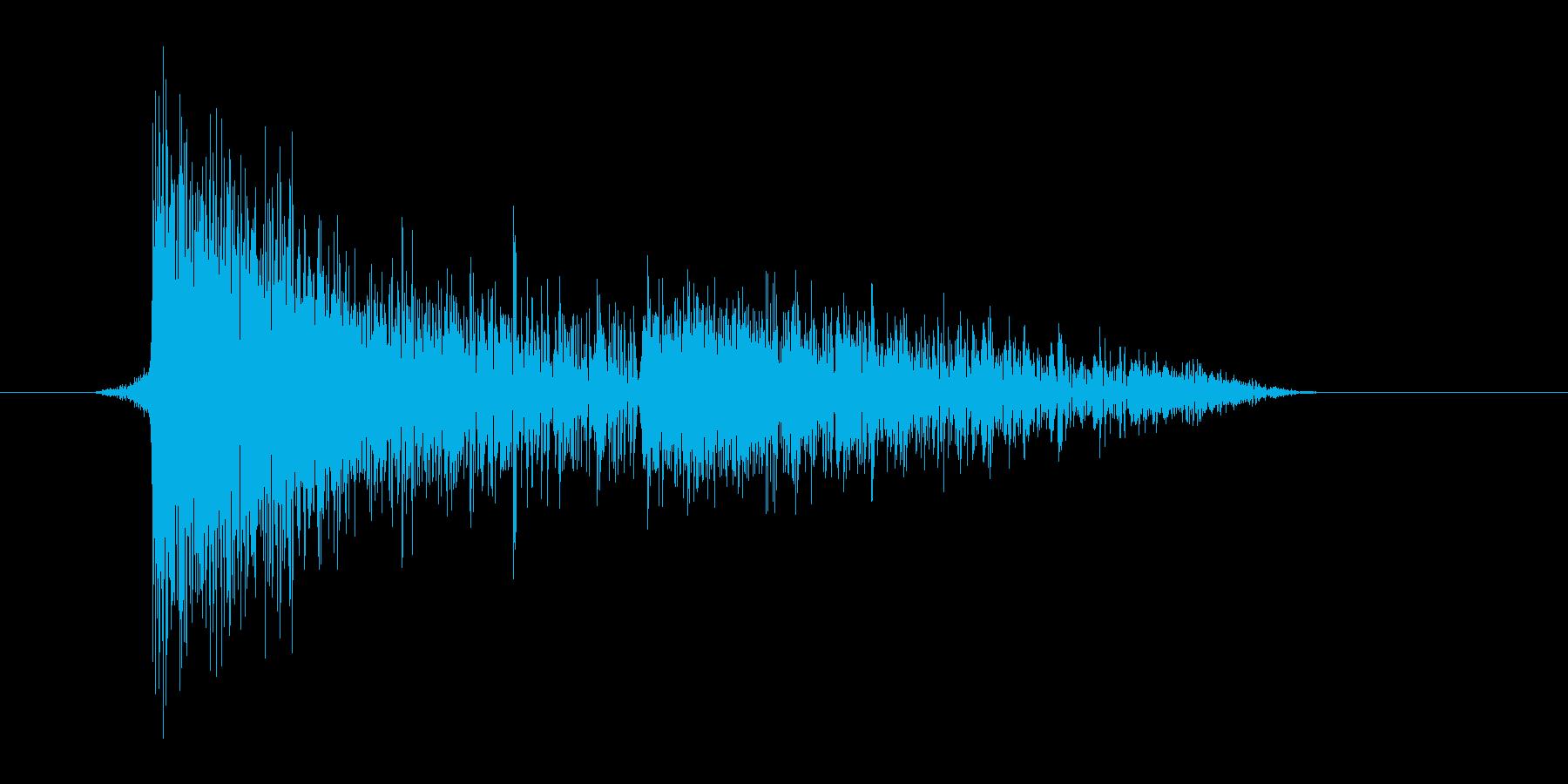 ゲーム(ファミコン風)爆発音_043の再生済みの波形