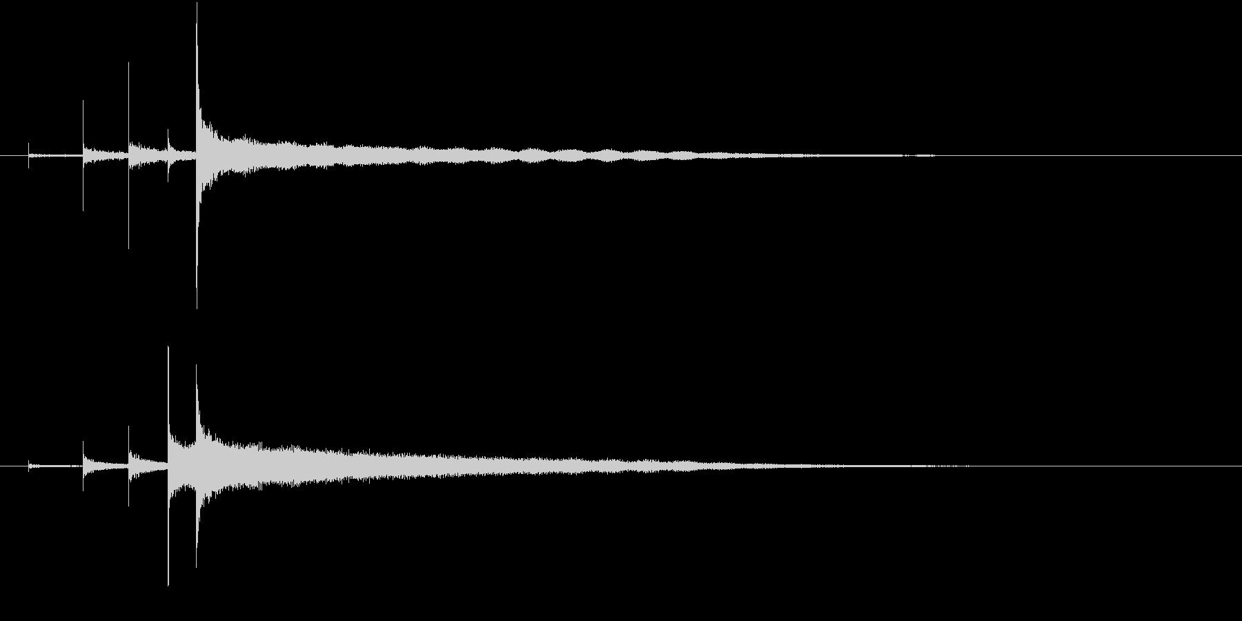 「カーンコーン〜」シンギングボウルの音の未再生の波形
