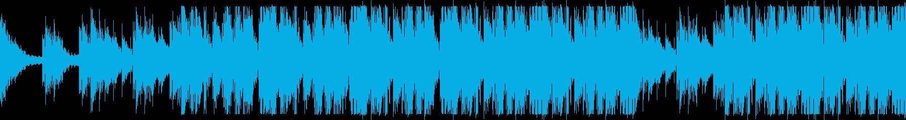 壮大なオーケストラ打楽器のリズムの再生済みの波形