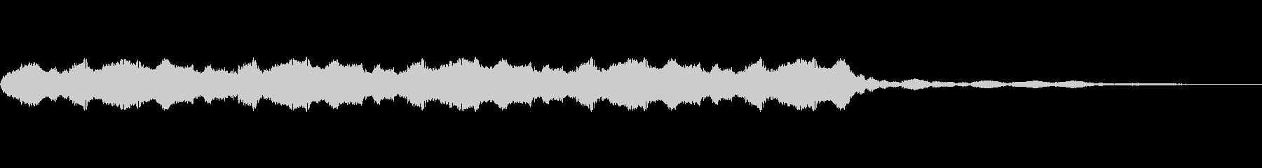 低ドローン、安定したハム、ブザーの未再生の波形