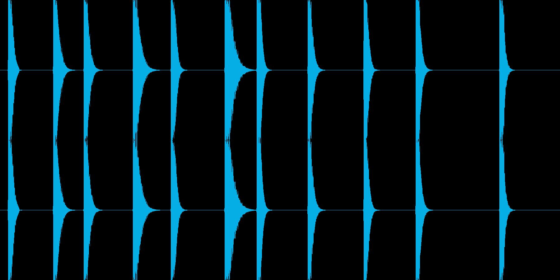 金属と金属がぶつかる音(西洋剣を想定)…の再生済みの波形
