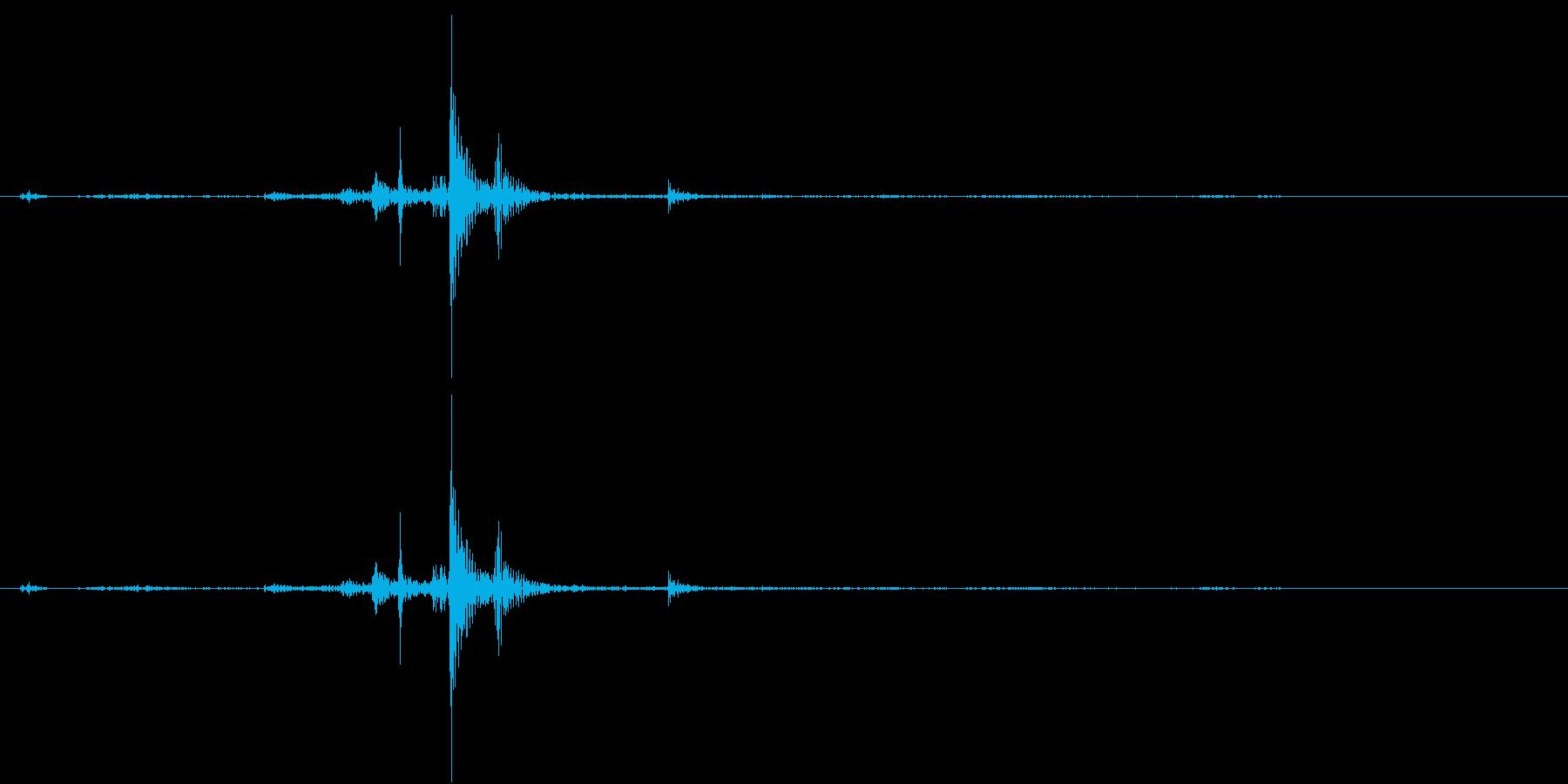 卵の殻が割れる音 噛む音の再生済みの波形