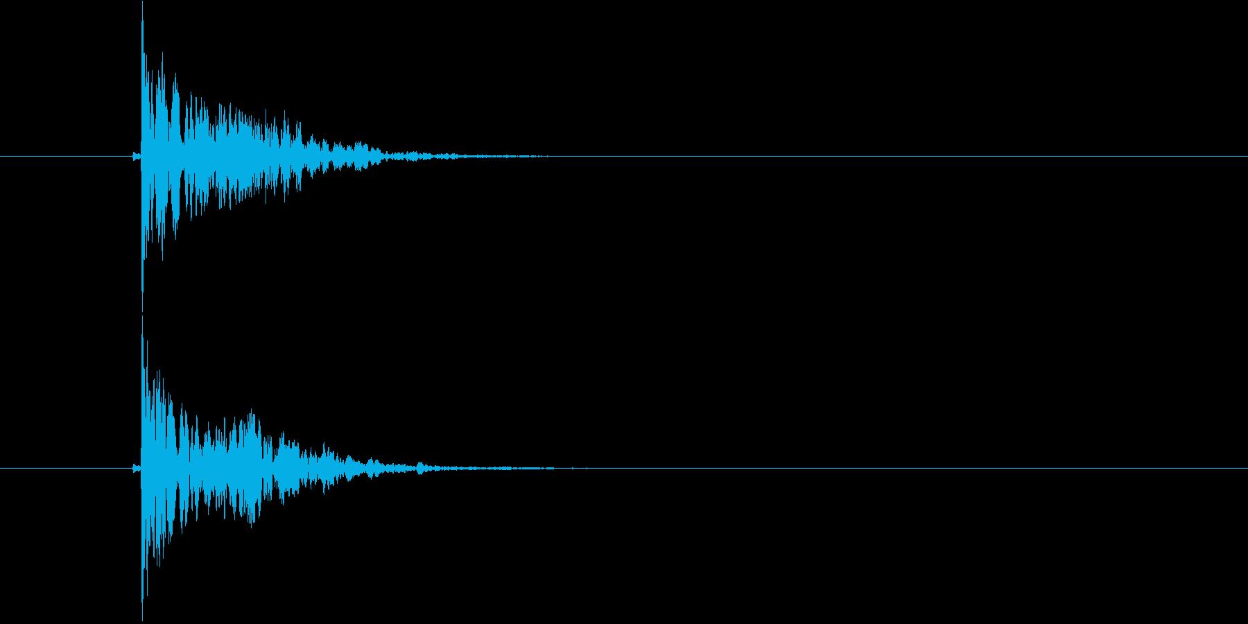 スコーン(板に固いものがぶつかった音)の再生済みの波形