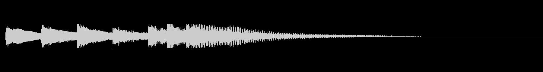 余韻を残す柔らかいピアノジングルの未再生の波形