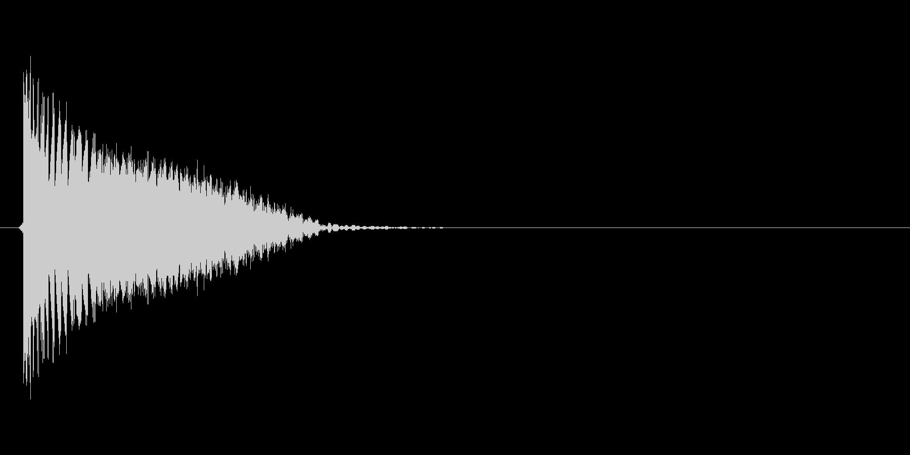バシッ(打撃、蹴り、ダメージ、キック)の未再生の波形