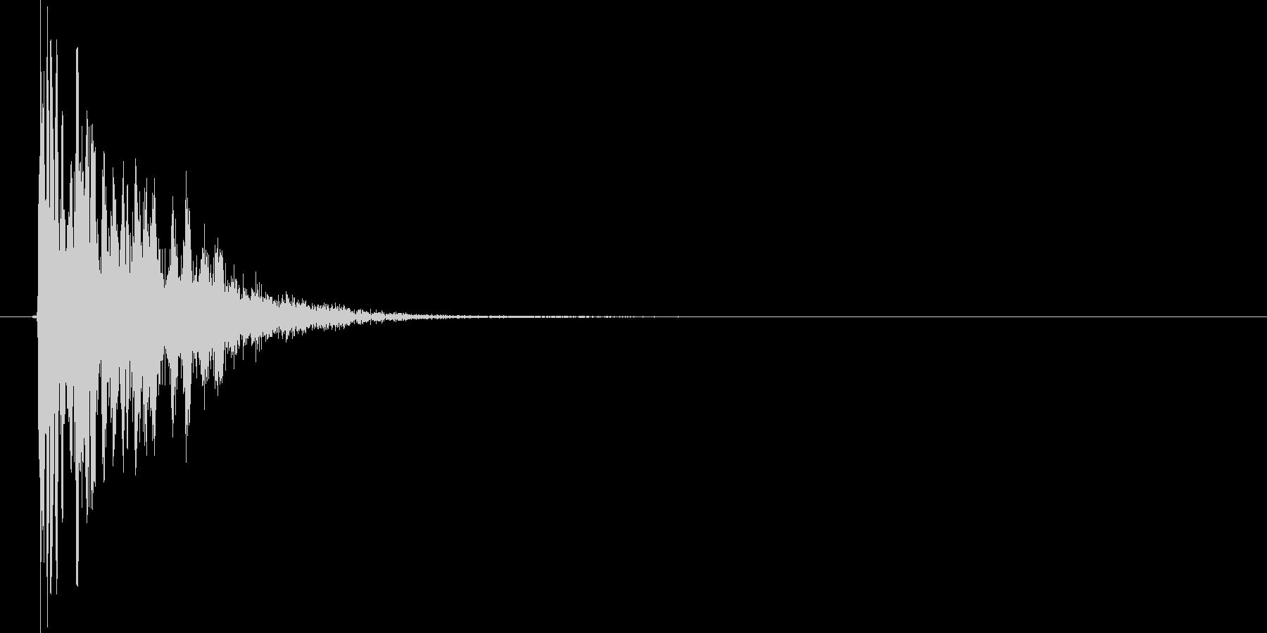 ベシッ(打撃、蹴る、ダメージ、格闘)の未再生の波形