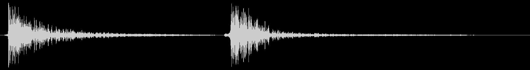 バンバンッ(物を叩く・打つ音)の未再生の波形