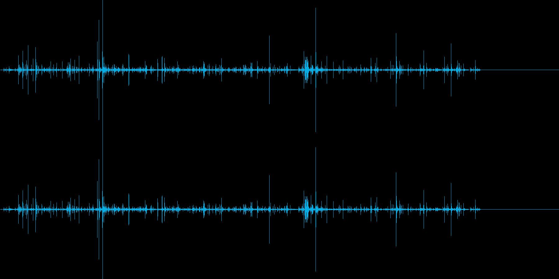 肉を咀嚼するような音1の再生済みの波形