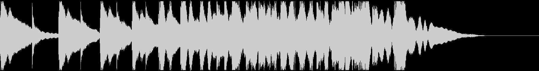 低い太鼓と高い太鼓が交互に次第に速く鳴るの未再生の波形