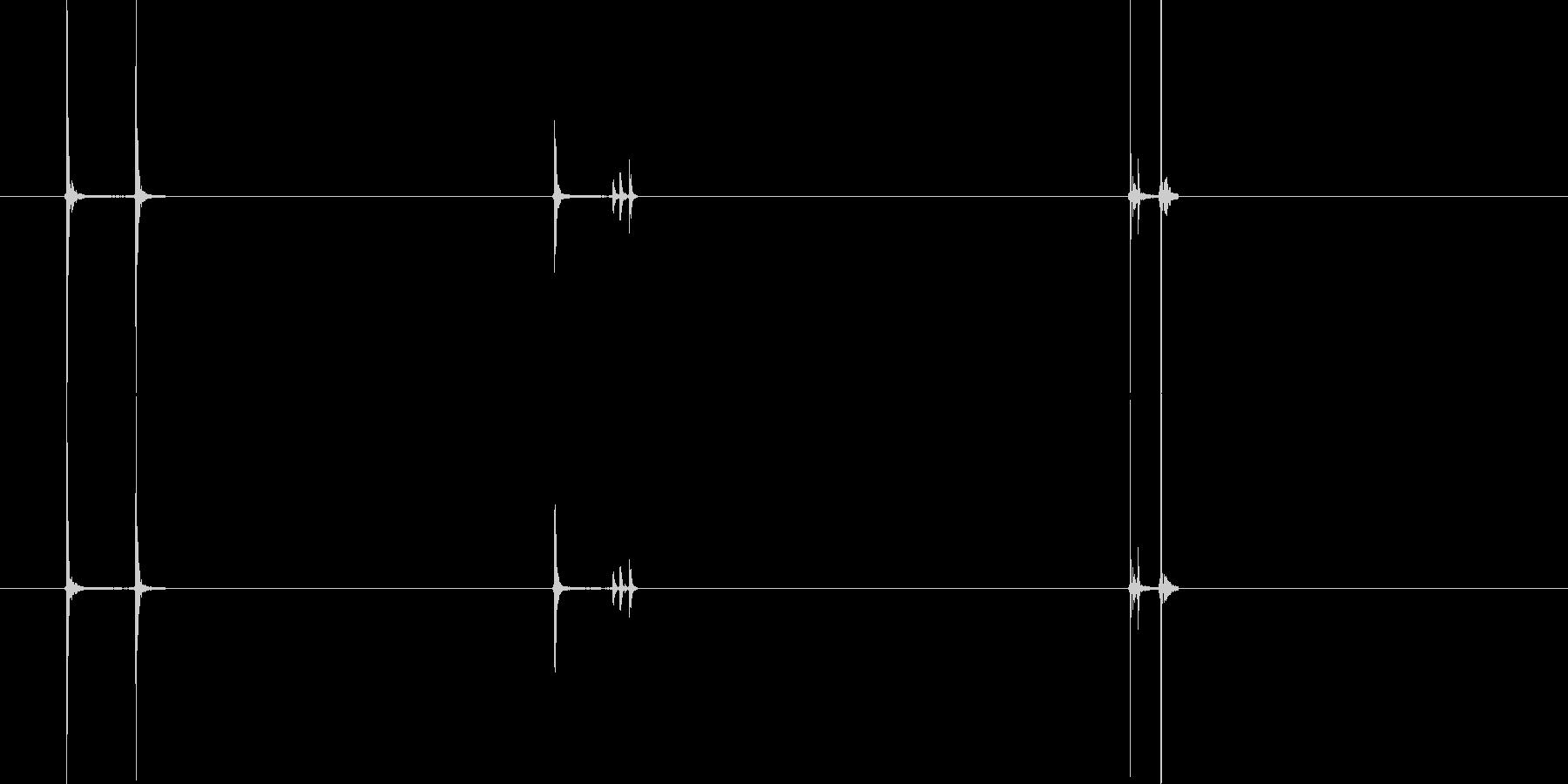 眼鏡を指で押し上げるときの音の未再生の波形