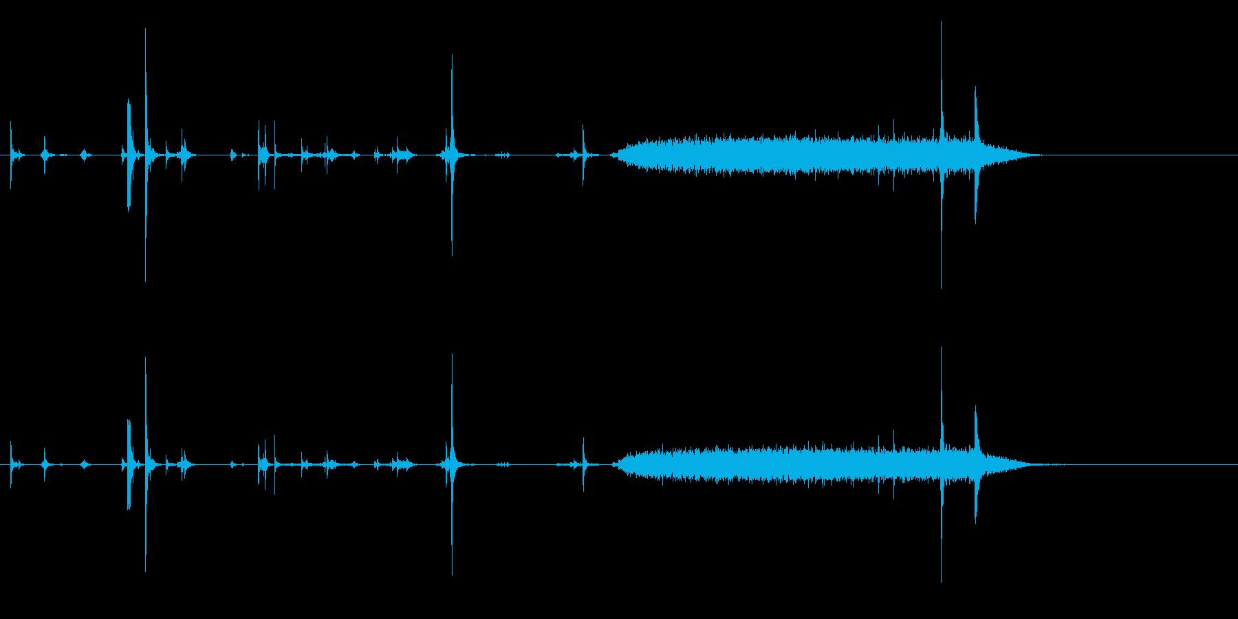 ポラロイドカメラ-フィルムカートリ...の再生済みの波形