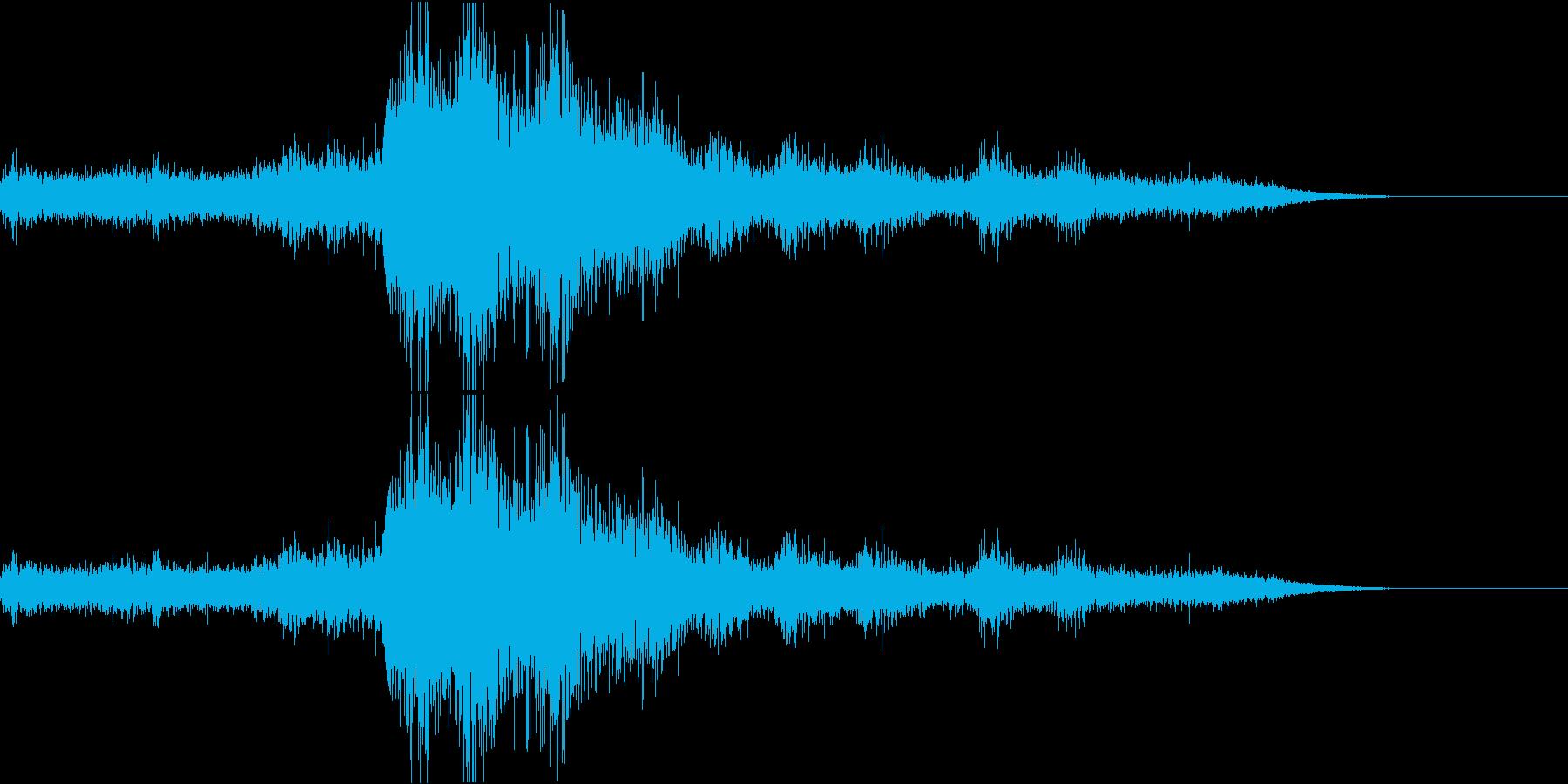 ゴロゴロドーン激しい雷&雨の再生済みの波形