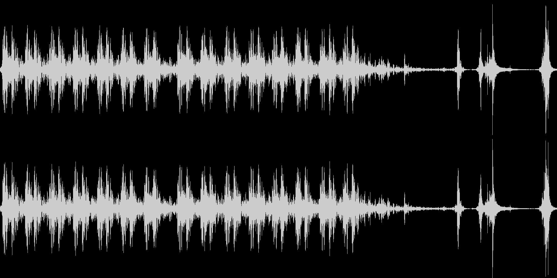 銃声 装填音の未再生の波形
