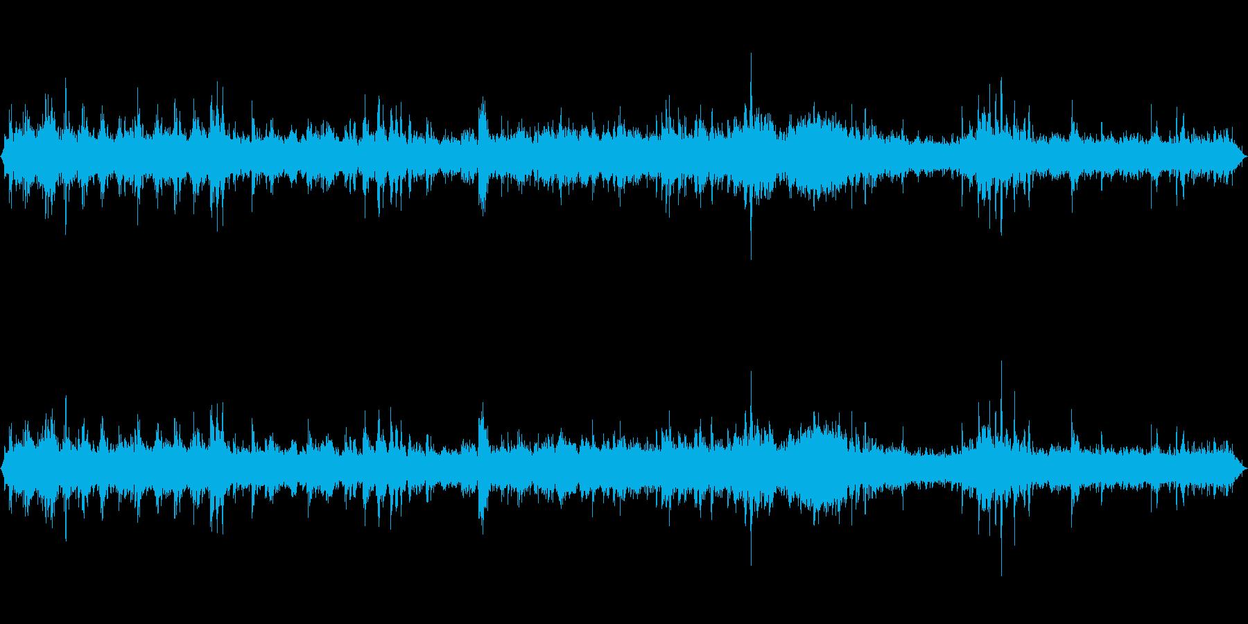 東海道線在来線車内音通常の再生済みの波形