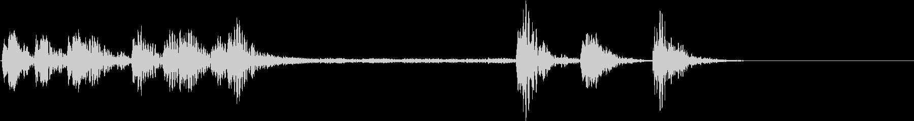 相撲風の短い太鼓のリズムの未再生の波形
