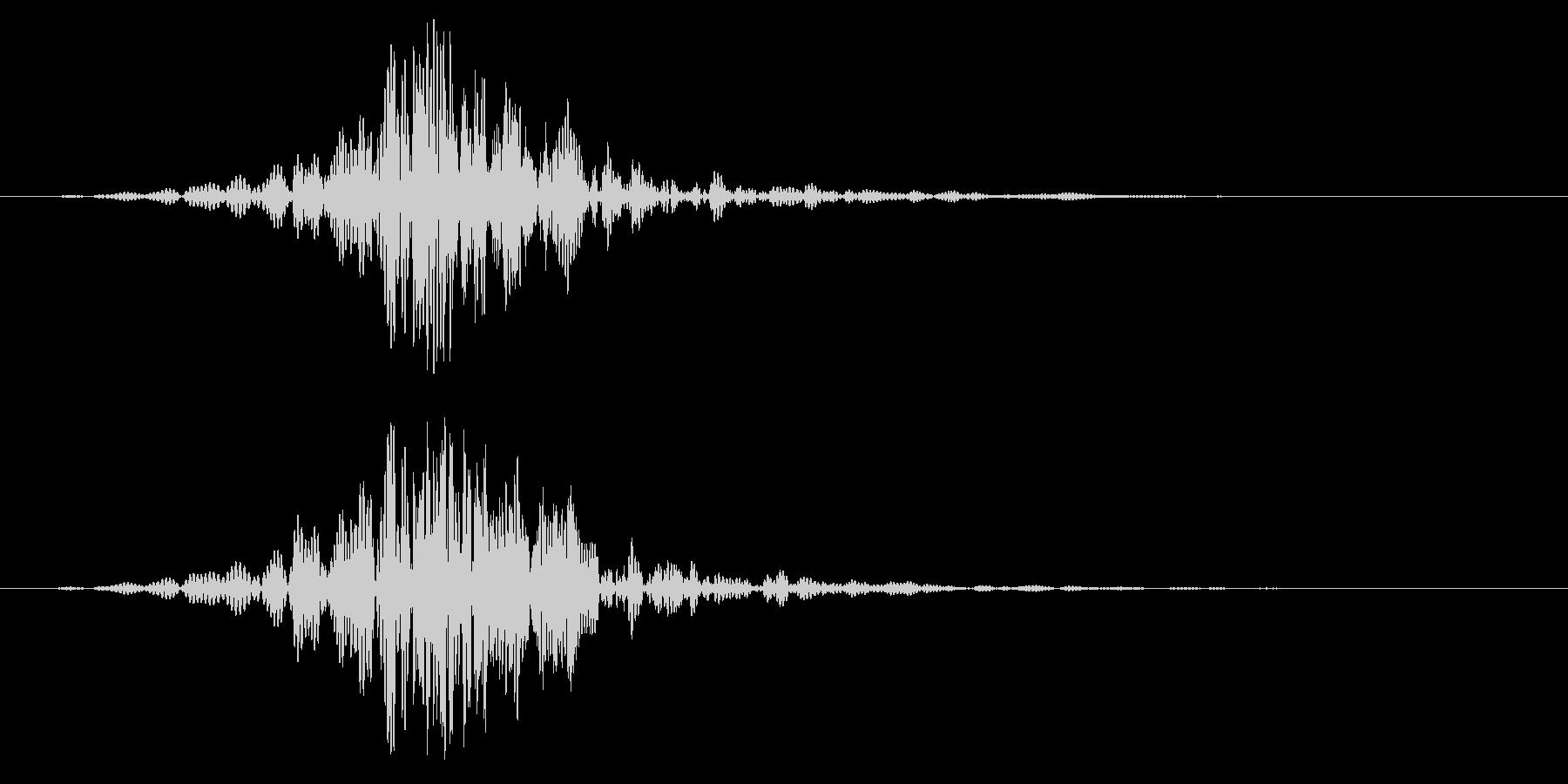 ヒュン(刀を振る/風切り音)空振りの未再生の波形