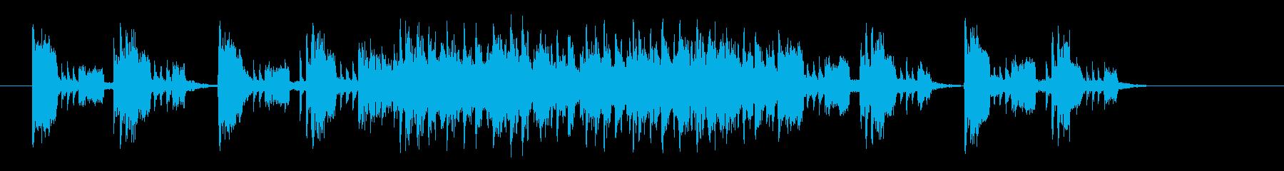 激しくクールなシンセサイザーのテクノの再生済みの波形