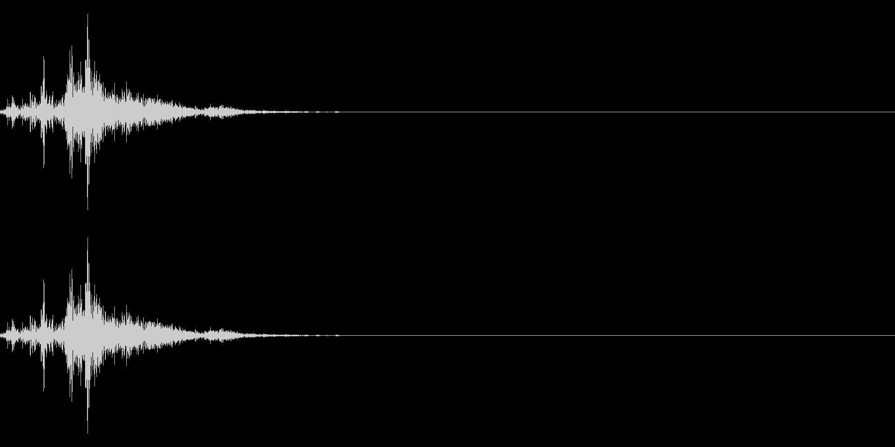 ドサッ(人が倒れる音)06の未再生の波形