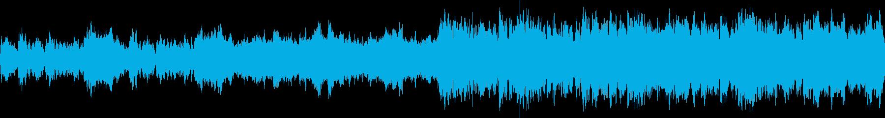 活気ある城下と始まりをイメージしたオケ曲の再生済みの波形