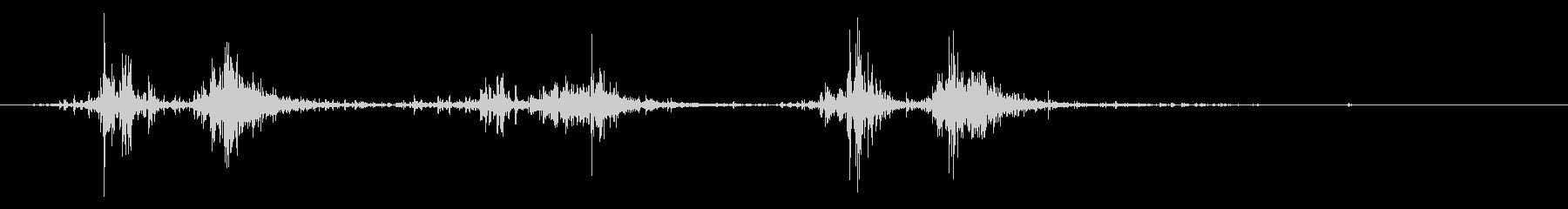タブレッド菓子出す音・振る音3の未再生の波形