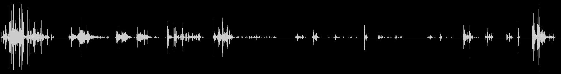 子猫が走ったり遊んだりしている音の未再生の波形