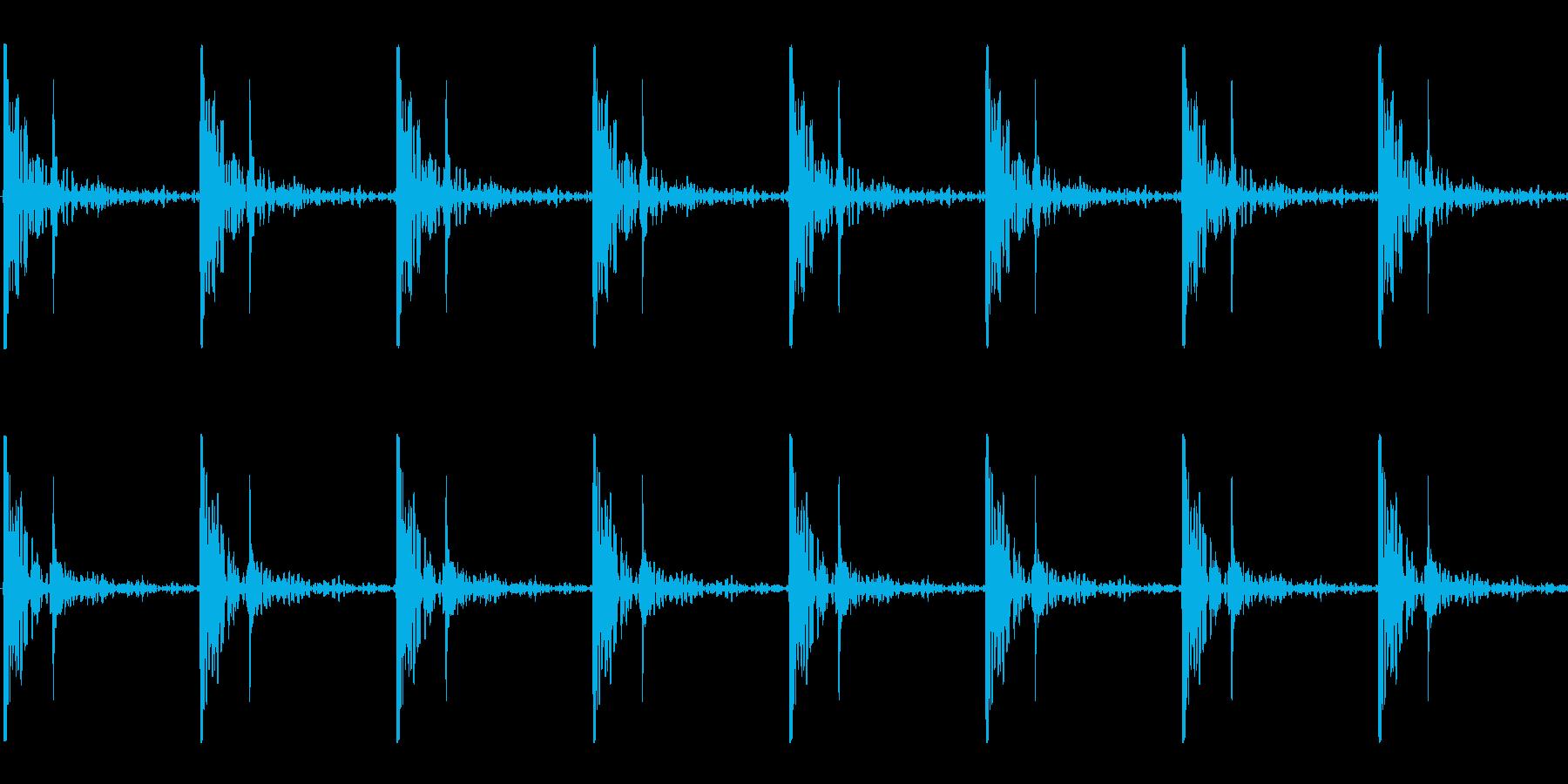 心臓の鼓動_上昇_心拍数72(残響あり)の再生済みの波形