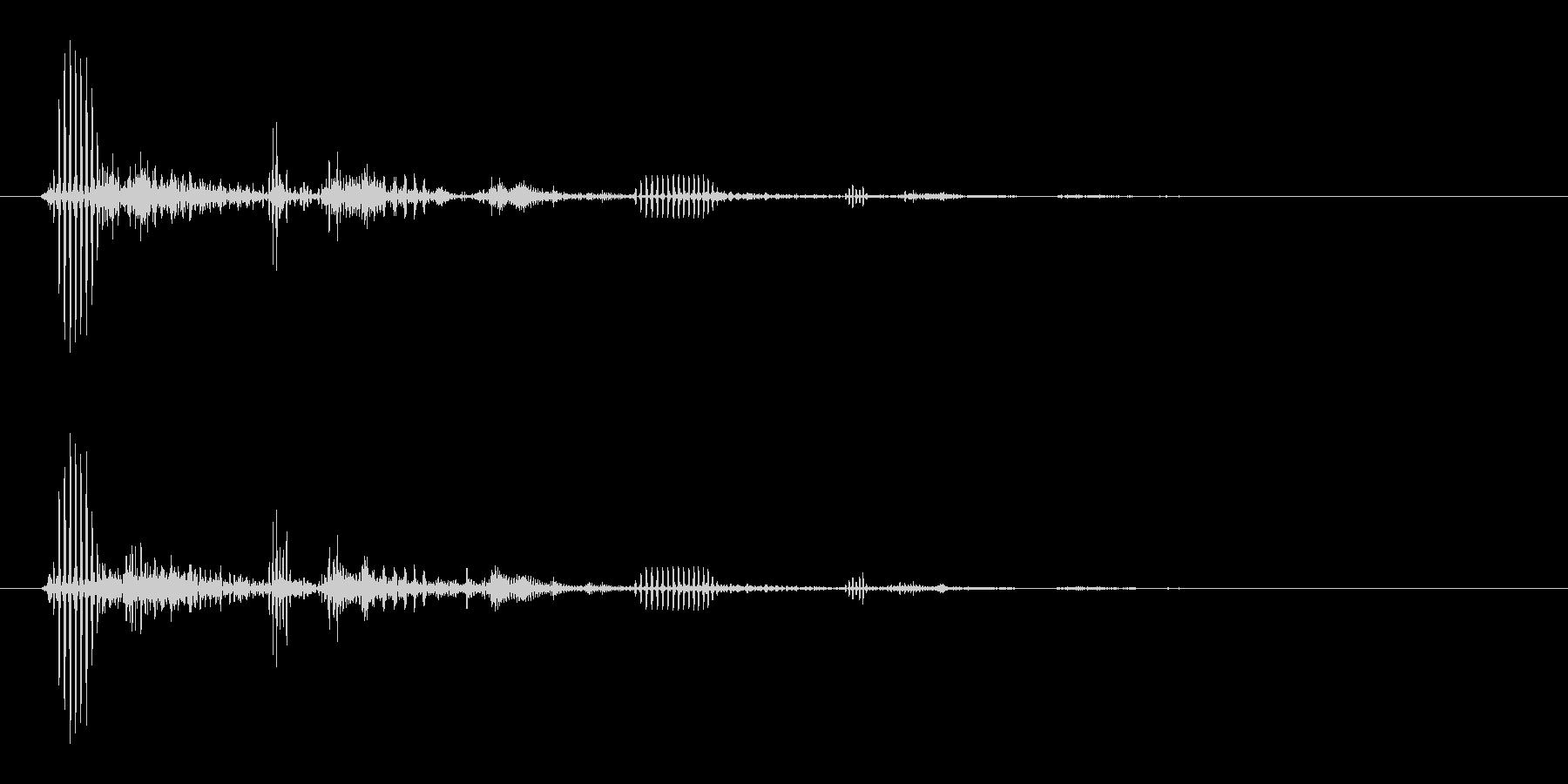 キキッ (軽めなブレーキ音)の未再生の波形