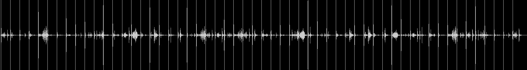 ヒールの高い靴で木製の床などを走る音の未再生の波形