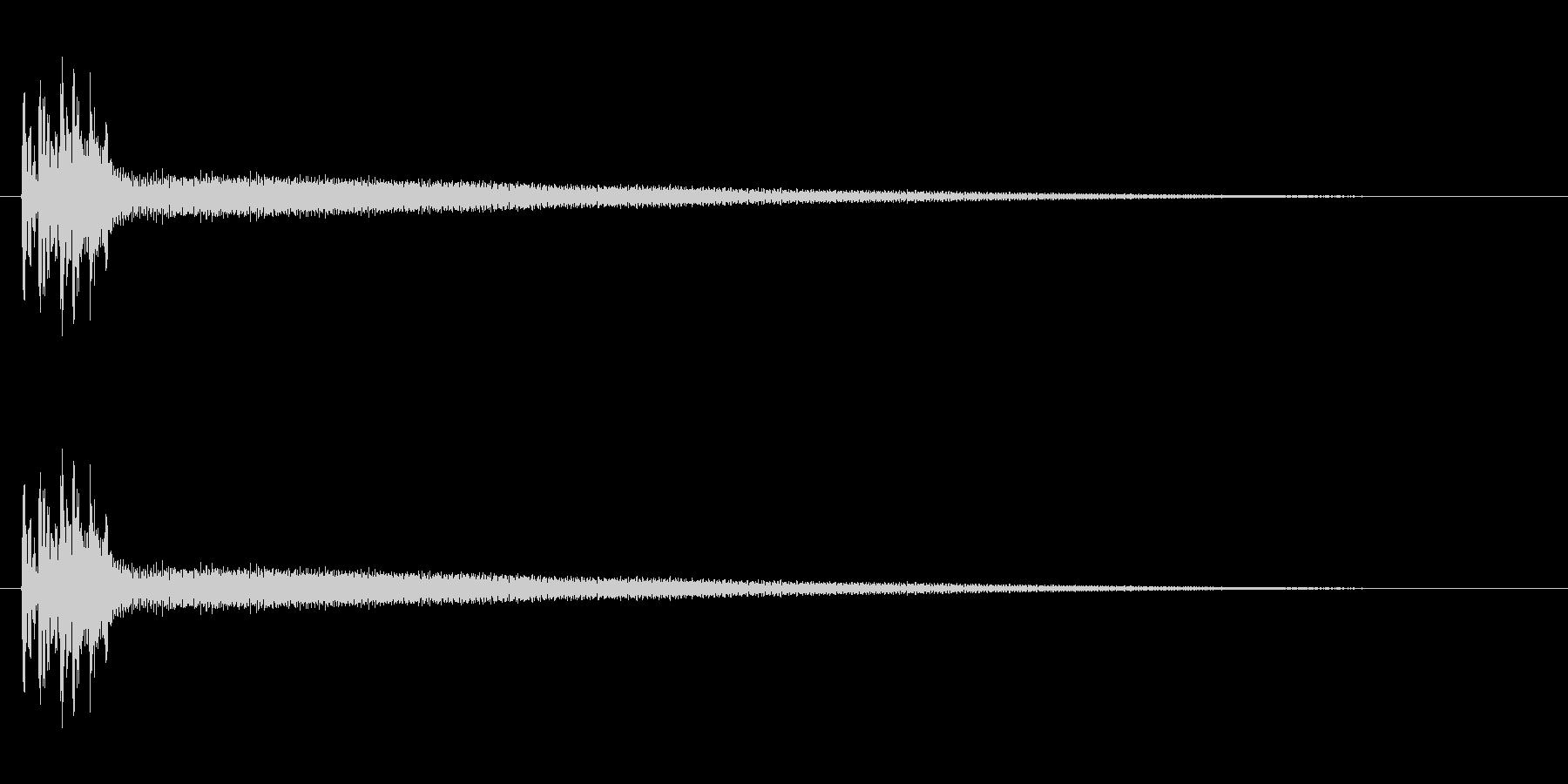 弦の倍音がきれいです。長めのポロロ~ンの未再生の波形