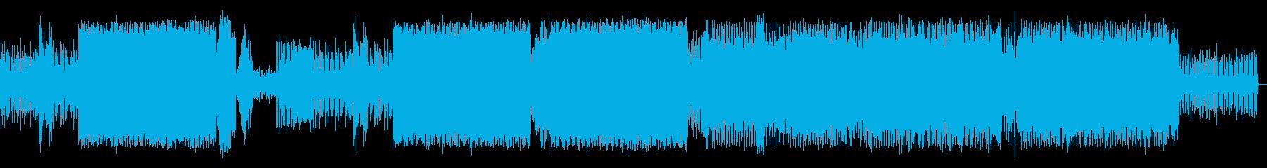 複雑にシンセの音が絡み合ったEDMの再生済みの波形