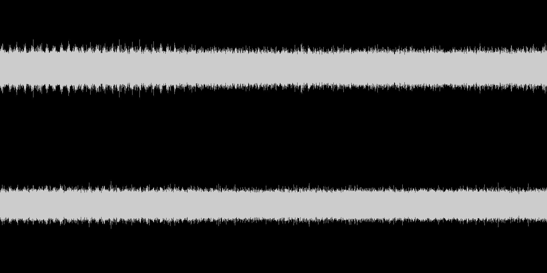 川の音とセミの声の未再生の波形