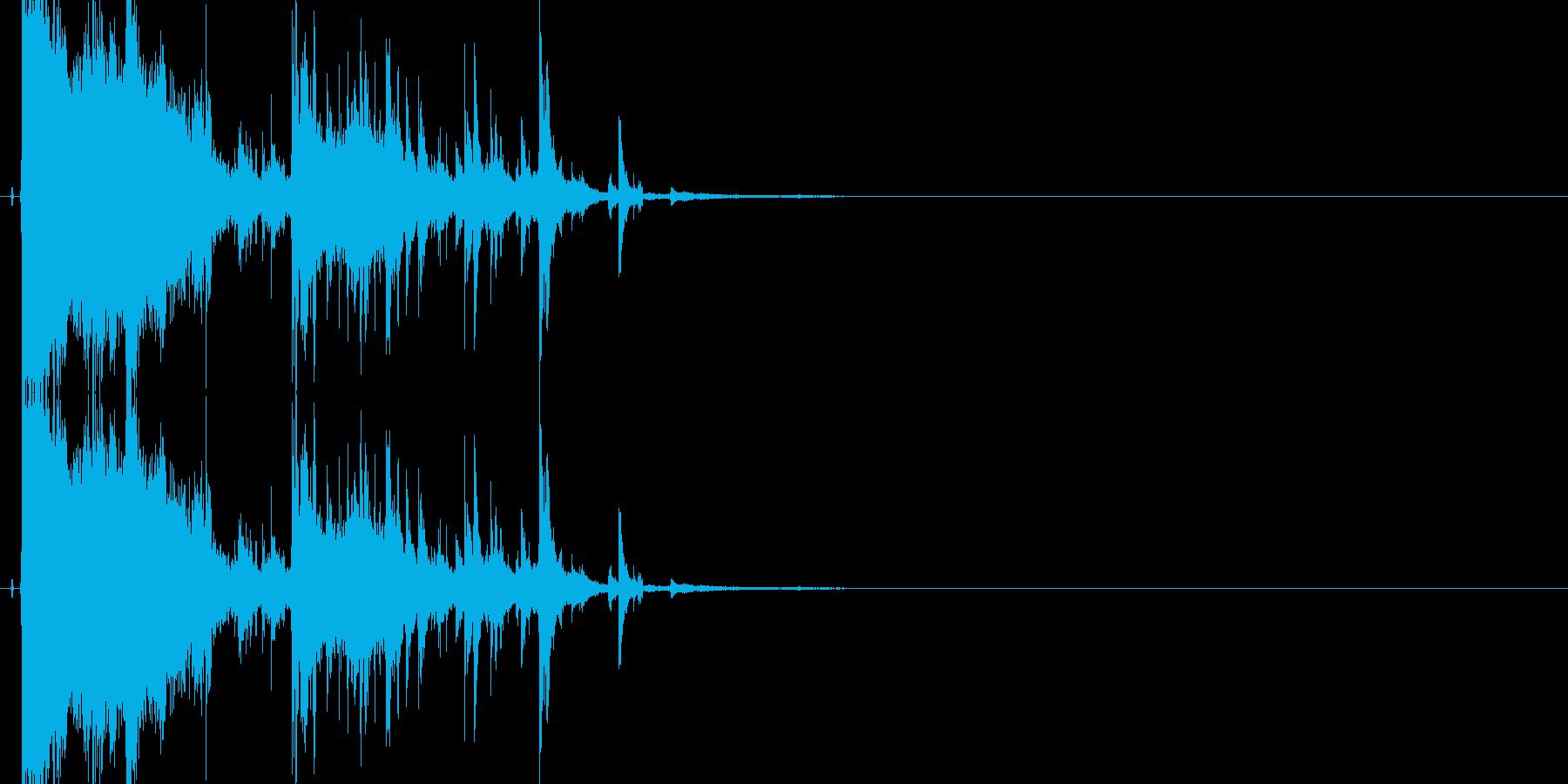 ガラスやグラスが勢いよく割れる効果音05の再生済みの波形