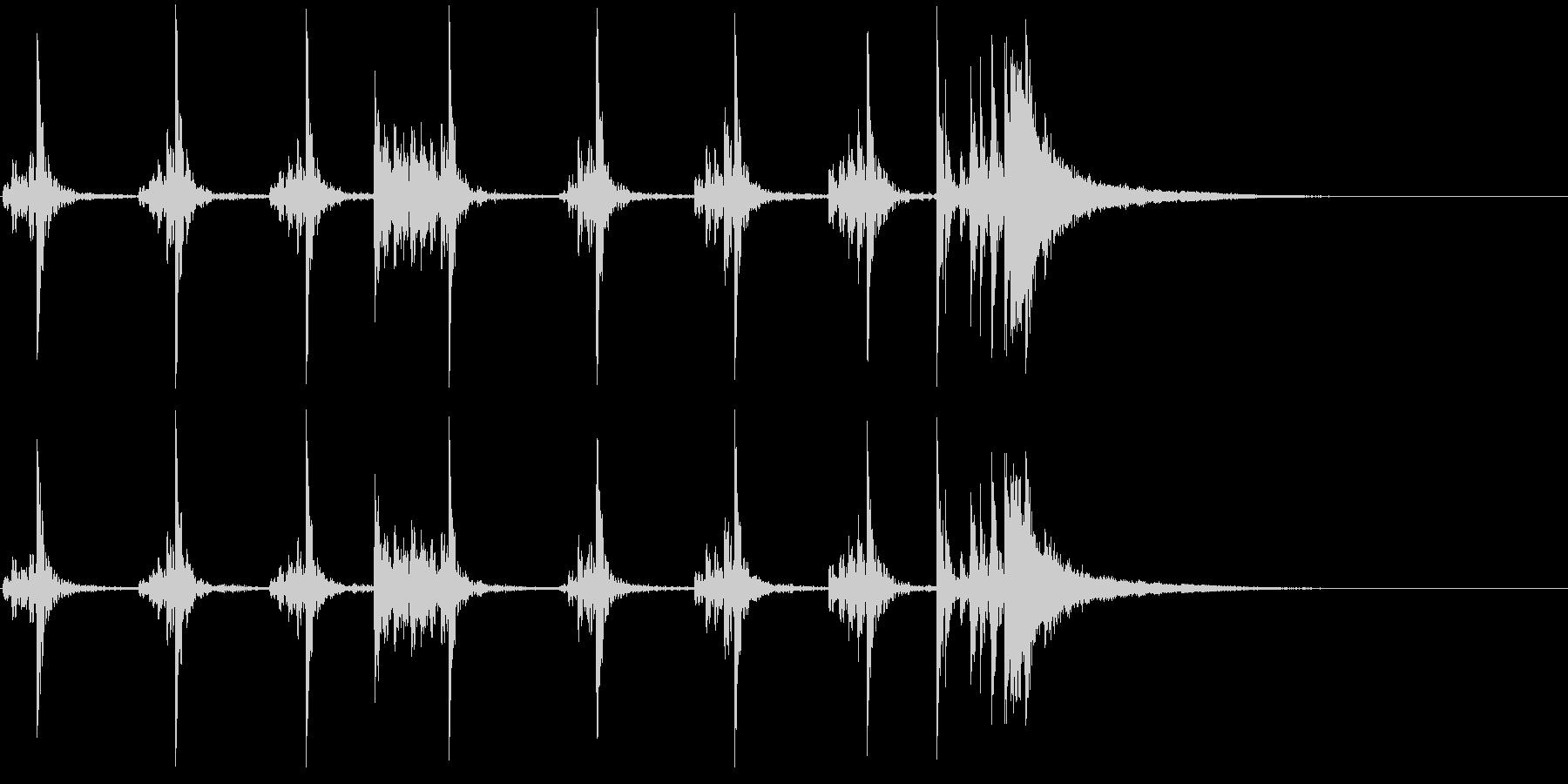 低音:シンバルアクセントのある死の...の未再生の波形