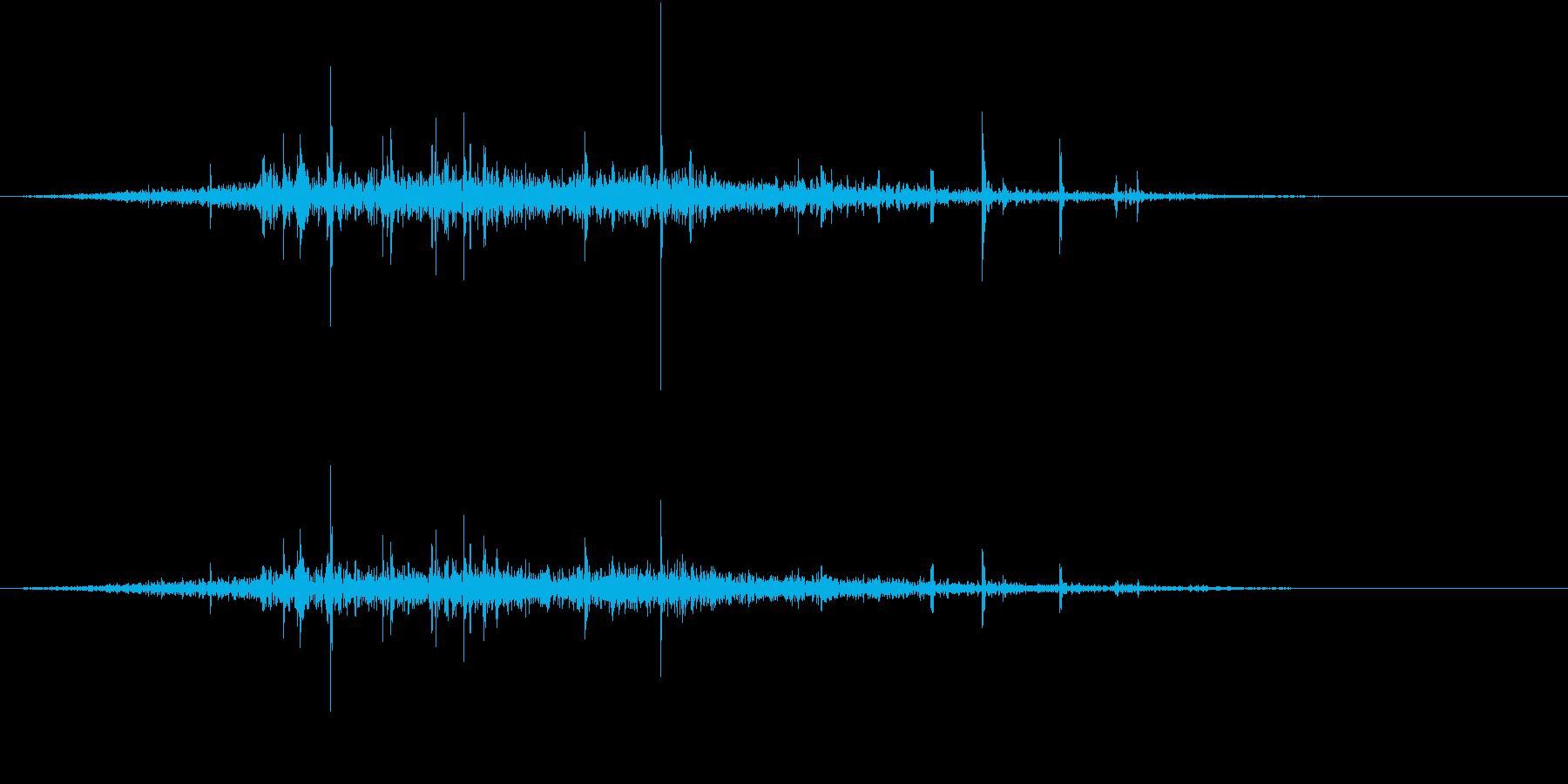 【生録音】布団を剥がす音 2の再生済みの波形